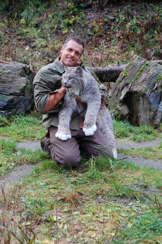 Steve Kroschel spends some quality time with Lennox the Lynx, Nov.3, 2013