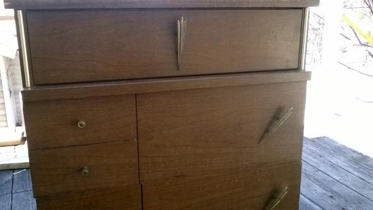 dresser-before1