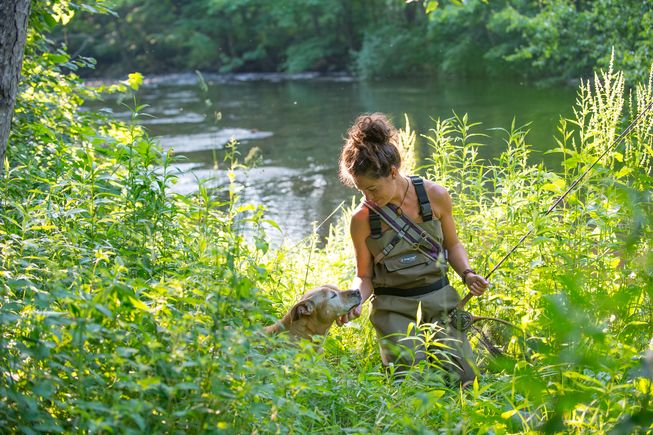 Jennifer Lalli goes fishing with her dog, Barbarella. (Photo: Jane Sobel Klonsky)